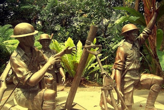 malaysian-mortar-crew