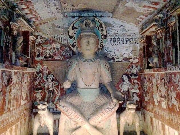 mogao-gua-buddha