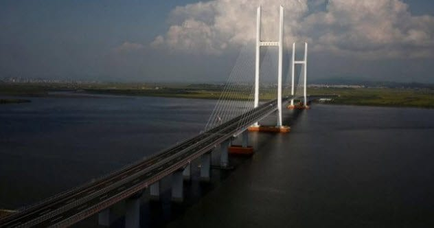 4-china-north-korea-bridge-to-nowhere