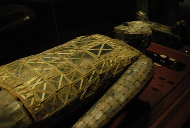 8-jade-burial-suit