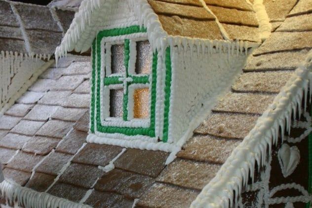 hotel-corque-gingerbread-house