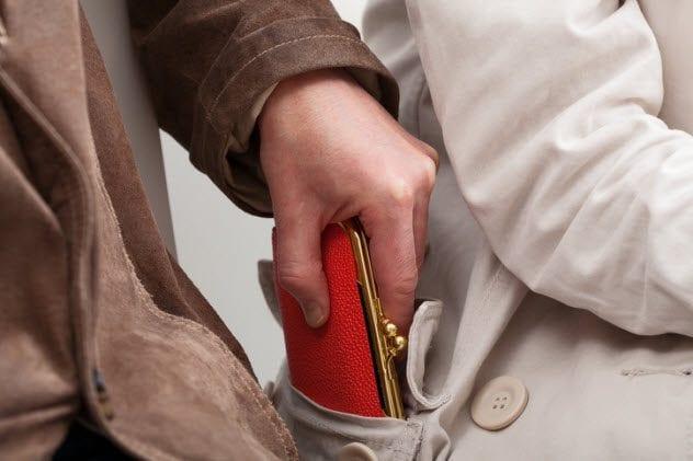 2a-pickpocket-187975321