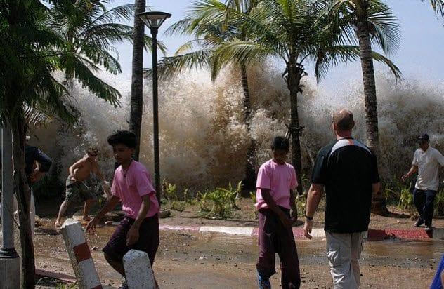 8a-tsunami-andaman-coast-thailand
