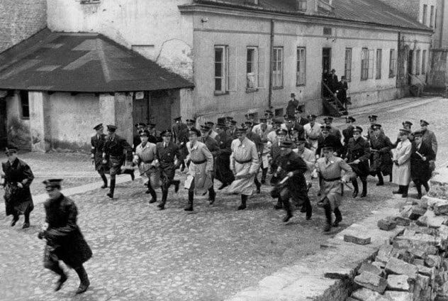 Nazi Collaborators 9-szerynski-leading-police-action