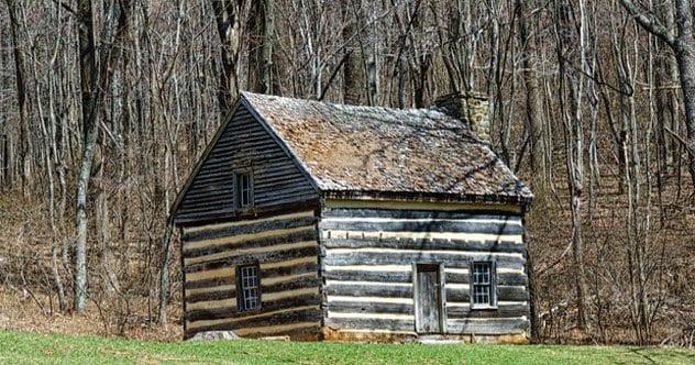 9a-log-cabin-498722884