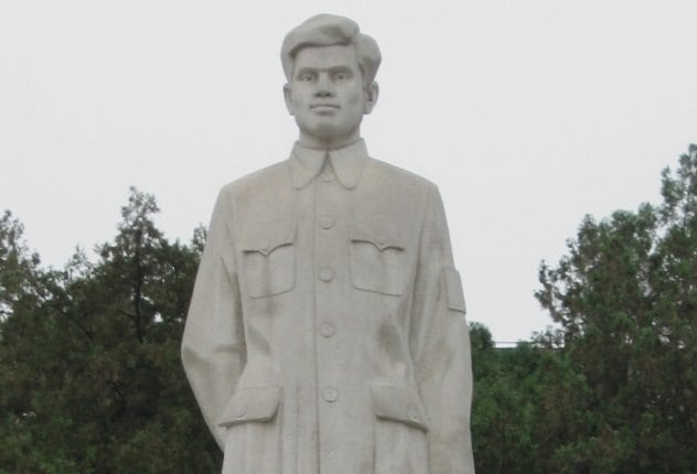 Dwarkanath Kotnis Statue