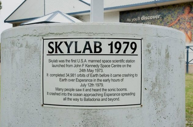 4a-skylab-plaque-in-esperance