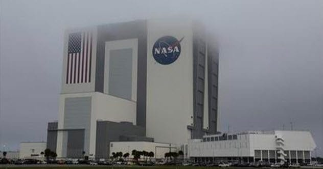 5-vehicle-assembly-building