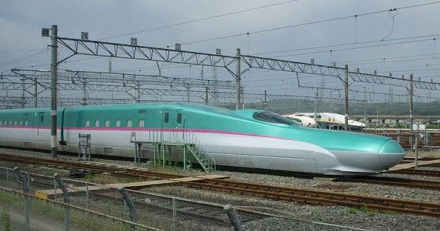 8-kamikaze-train