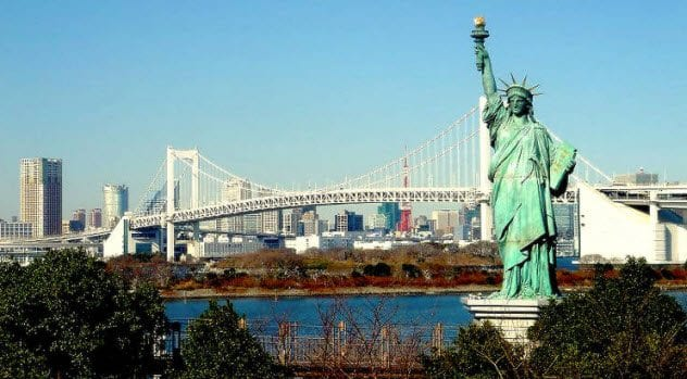4-odaiba-statue-of-liberty