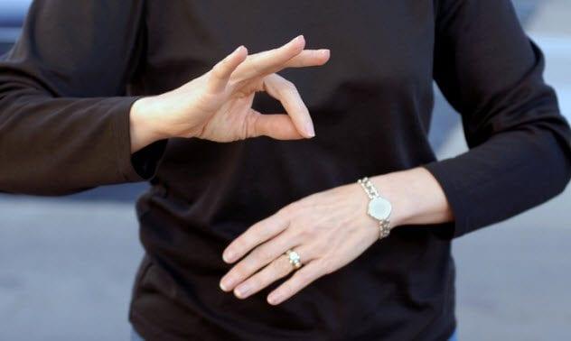 5a-sign-language-116775266