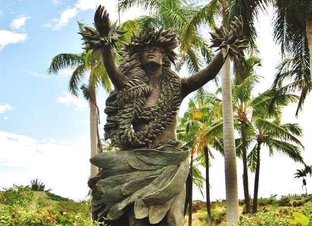 Kapo Statue