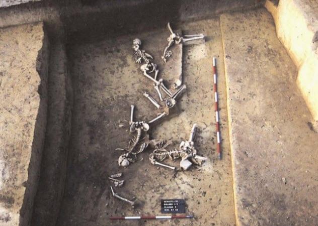 2-Asparn-Schletz-genocide-victims