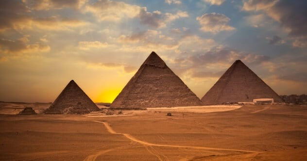 Photo of 10 Facts About The Pyramids That Could Prove Advanced Ancient Technology