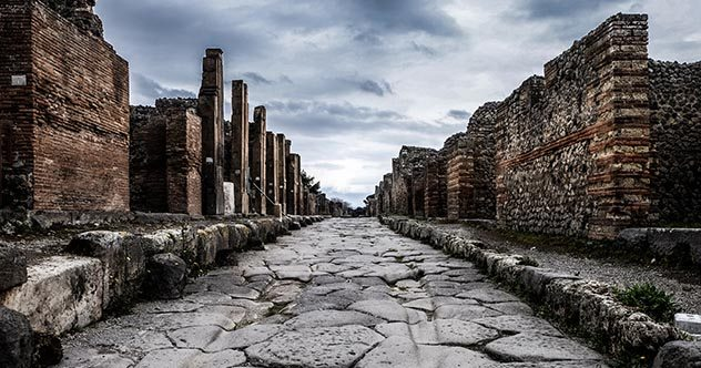 10 Lessons For Modern Society From The Fall Of Ancient