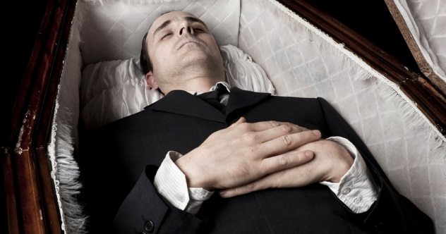 Photo of 10 Historical Accounts Of People Who Woke Up In Their Coffins