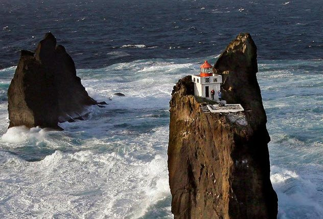 10 Lighthouses Built In Perfect Isolation Listverse