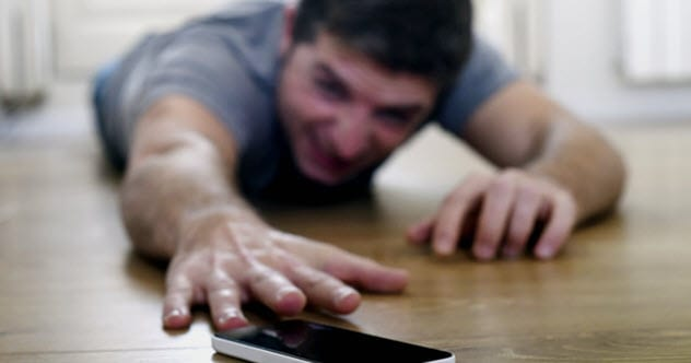 10 Ways Your Smartphone Is Ruining Your Life