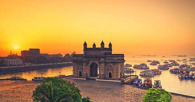 Top 10 Captivating Tales Surrounding Famous Landmarks — Listverse